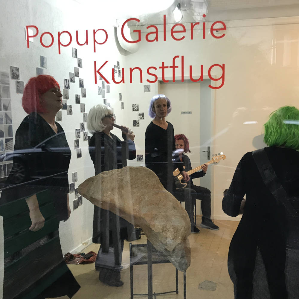 Perfect Housewives in der Galerie Kunstflug
